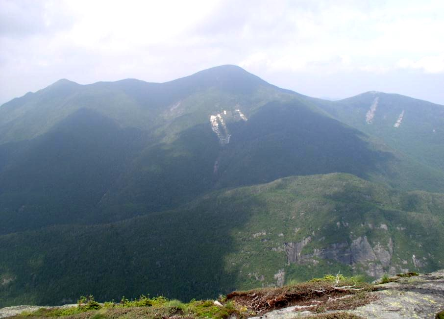 Hazy MacIntyre Range from Colden Summit